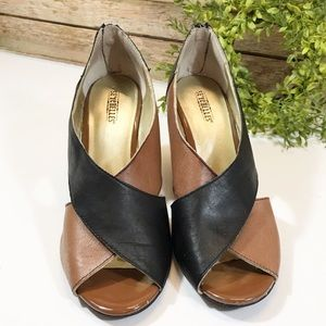 Seychelles Wedges Brown and Black Size 9.5